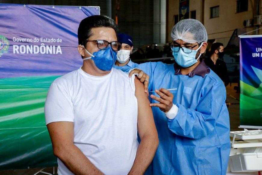 Chegada-da-Vacina-Coronavac-Foto-Frank-Nery-10-01-21-441-870x580-1.jpg
