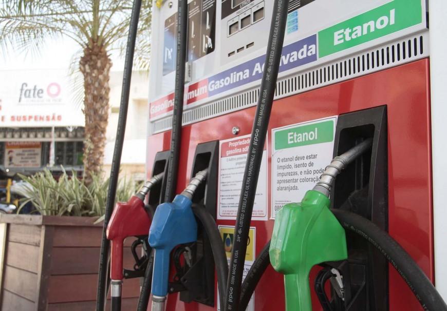Posto-de-gasolina_08.09.15_Foto_Daiane-Mendonca-8-870x606-1.jpg