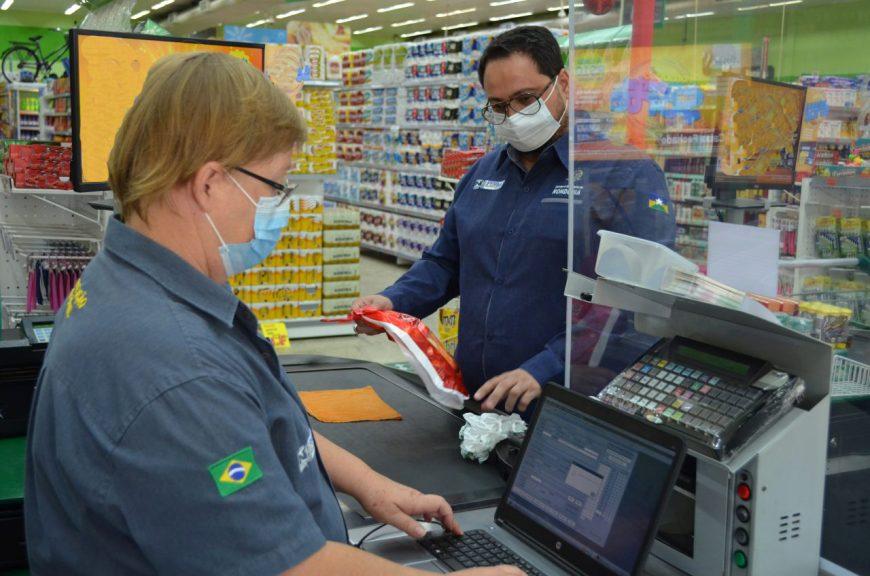 Visita-em-supermercado-IPEM-Foto-Alexandre-Almeida-scaled-2-870x576-1.jpg